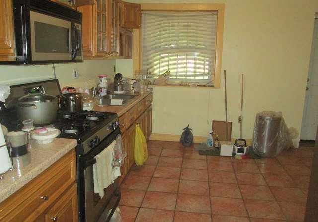 Brooklyn kitchen before renovations funded by a direct lender in new york